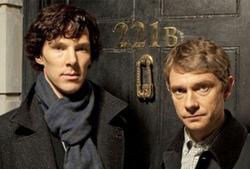 Benedict Cumberbatch nei panni di Sherlock Holmes e Martin Freeman in quelli del Dr. Watson