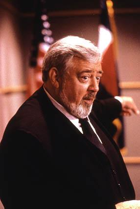Raymond Burr nel ruolo di Perry Mason (foto: Paramount)