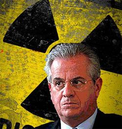 Il ministro Scajola. I soldi risparmiati dal governo con le spedizioni dei libri serviranno a costruire le centrali nucleari?